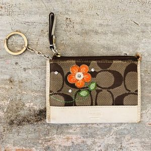 ♥️ Coach ♥️ Floral Signature Keychain Wallet